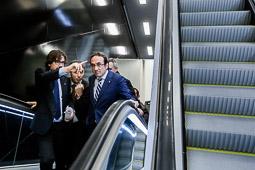 Les millors fotos de la setmana de Nació Digital <a href='http://www.naciodigital.cat/noticia/102179/linia/metro/arribara/t-1/aeroport/prat/12/febrer'>El conseller de Territori i Sostenibilitat, Josep Rull visita el nou tram de la línia 9 del metro</a>. </br> Foto: Adrià Costa