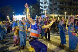 Les millors fotos de la setmana de Nació Digital El Cós Blanc reuneix una trentena de colles a Salou.  Foto: Joaquim Bartolomé