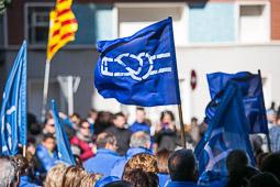 Les millors fotos de la setmana de Nació Digital <a href='http://www.naciodigital.cat/delcamp/ebrediari/galeria/157/manifestacio/defensa/ebre/amposta'>Desenes de milers de persones es manifesten a Amposta en defensa de l'Ebre</a>. </br> Foto: Martí Albesa