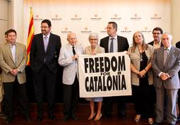 Muriel Casals, tota una vida de lluita 24/07/2012. Muriel Casals durant l'entrega a l'Ajuntament de Barcelona de la bandera «Freedom for Catalonia» dels Jocs Olímpics del 92. Foto: ACN.