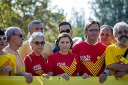 Muriel Casals, tota una vida de lluita 11/09/2014. Muriel Casals, amb Carme Forcadell i Josep Maria Vila d'Abadal, a la capçalera de la V.  Foto: Adrià Costa.