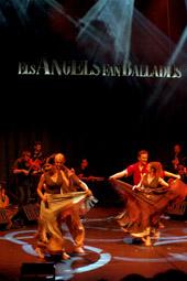 Les millors fotos de la setmana de Nació Digital <a href='http://www.naciodigital.cat/naciofotos/galeria/14129/pagina1/angels/fan/ballades/auditori/barcelona'>Germà Negre, la Cobla Orquestra Selvatana i l'Esbart Dansaire Fontcoberta porten l'espectacle «Els Àngels fan Ballades» a l'Auditori de Barcelona</a>. </br> Foto: Joan Parera
