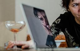 Les millors fotos de la setmana de Nació Digital Empar Moliner: «La nostàlgia em matarà quan en tingui setanta».  Foto: Adrià Costa