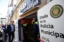 Les millors fotos de la setmana de Nació Digital <a href='http://www.naciodigital.cat/naciofotos/galeria/14164/diada/policia/municipal/terrassa'>Diada de la Policia Municipal de Terrassa</a>. </br> Foto: Cristóbal Castro