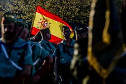 Desfilada de la Hermandad de Antiguos Caballeros Legionarios a l'Hospitalet de Llobregat