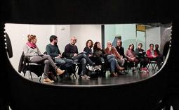 Les millors fotos de la setmana de Nació Digital Unes setanta persones es reuneixen Vic per tal d'articular una campanya de suport al regidor de Capgirem Joan Coma, investigat per un delicte d'incitació o provocació a la sedició.. Foto: José M. Gutiérrez