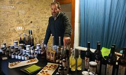 Les millors fotos de la setmana de Nació Digital <a href='http://www.naciodigital.cat/naciofotos/galeria/14255/pagina1/mercat/artesania/passio/vilalba'>El mercat d'artesania de la Passió de Vilalba.</a></br> Foto: Sergi Aznar
