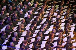 Les millors fotos de la setmana de Nació Digital <a href='http://www.naciodigital.cat/naciofotos/galeria/14281/osv/passio/segons/sant/mateu/js/bach/al/palau/musica'>L'Oquestra Simfònica del Vallès porta «La Passió segons Sant Mateu», de J. S. Bach, al Palau de la Música Catalana.</a></br> Foto: Juanma Peláez