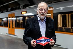 Les millors fotos de la setmana de Nació Digital Coincidint amb Sant Jordi, Ferrocarrils de la Generalitat ha batejat dos combois amb els noms de l'escriptora Caterina Albert, més coneguda com a 'Víctor Català', i l'escriptor Joaquim Carbó, que ha assistit a l'acte. Foto: Adrià Costa