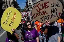Les millors fotos de la setmana de Nació Digital Milers de persones es manifesten a Barcelona en defensa del treball digne. Foto: Adrià Costa