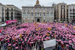 Les millors fotos de la setmana de Nació Digital Una «marea rosa» independentista es manifesta per la desobediència a l'Estat. Foto: Adrià Costa