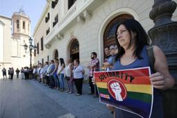 Les millors fotos de la setmana de Nació Digital Minut de silenci a Sabadell per les víctimes de l'atemptat d'Orlando. Foto: Juanma Peláez