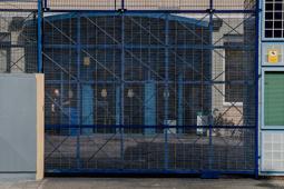 Les millors fotos de la setmana de Nació Digital <a href='http://www.naciodigital.cat/noticia/111898/govern/espanyol/desobeeix/colau/reobre/cie/zona/franca'>El govern espanyol desobeeix Colau i reobre el CIE de la Zona Franca.</a></br> Foto: Adrià Costa