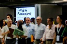 Les millors fotos de la setmana de Nació Digital <a href='http://www.naciodigital.cat/noticia/111989/revolta/interna/forca/ajornar/eleccio/nom/nova/cdc'>Una revolta interna força ajornar l'elecció del nom de la «nova CDC».</a></br> Foto: Adrià Costa