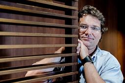 Les millors fotos de la setmana de Nació Digital <a href='http://www.naciodigital.cat/noticia/112168/mulet/amb/temps/diners/qualsevol/crim/es/pot/resoldre'>J. M. Mulet publica «La ciència a l'ombra», una obra que repassa els casos més cèlebres de la ciència forense, amb referències a sèries i cinema.</a></br> Foto: Adrià Costa
