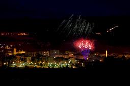 Les millors fotos de la setmana de Nació Digital <a href='http://www.naciodigital.cat/naciofotos/galeria/14655/festa/major/vic/2016/castell/focs'>Castell de focs de la festa major de Vic.</a></br> Foto: Joan Parera