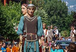 Les millors fotos de la setmana de Nació Digital <a href='http://www.naciodigital.cat/naciofotos/galeria/14692/pagina1/festa/major/sant/julia/vilatorta/2016/trobada/gegantera'>Trobada gegantera a la festa major de Sant Julià de Vilatorta.</a></br> Foto: Oriol Serra