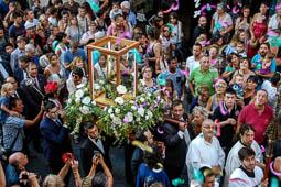 Les millors fotos de la setmana de Nació Digital <a href='http://www.naciodigital.cat/naciofotos/galeria/14752/pagina1/arribada/mare/berga/centenari'>Milers de persones han acompanyat la Verge de Queralt fins a l'església de Santa Eulàlia. Ha estat en una processó històrica per celebrar el Centenari de la Coronació Canònica de la Mare de Déu..</a></br> Foto: Aida Morales