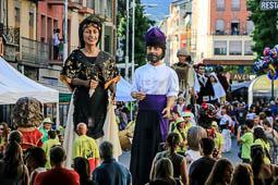 Les millors fotos de la setmana de Nació Digital <a href='http://www.naciodigital.cat/naciofotos/galeria/14765/pagina1/festa/major/seu/urgell/2016/25a/trobada/gegantera'>La Seu d'Urgell celebra la 25a Trobada Gegantera amb la participació de 22 colles.</a></br> Foto: Josep M. Costa