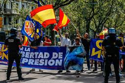 Les millors fotos de la setmana de Nació Digital <a href='http://www.naciodigital.cat/naciofotos/galeria/14792/foto/56894'>L'antifeixisme del barri de Gràcia de Barcelona, encapçalat per la CUP i Unitat Contra el Feixisme i el Racisme (UCFR), han aconseguit contrarestar la concentració convocada aquest dissabte al migdia pel partit espanyolista d'extrema dreta Democràcia Nacional..</a></br> Foto: José M. Gutiérrez