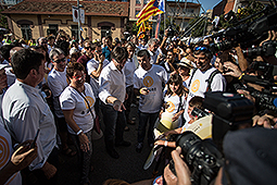 Diada Nacional 2016: manifestació a Salt Carles Puigdemont arrivant a Salt