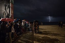 Les millors fotos de la setmana de Nació Digital La pluja obliga a suspendre algunes activitats de la Mercè. </br> Foto: Carles Palacio