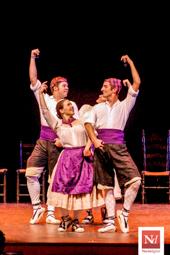 Les millors fotos de la setmana de Nació Digital Actuació de l'Esbart dansaire de Mollet a la festa major de Roda de Ter.</br> Foto: Joan Parera