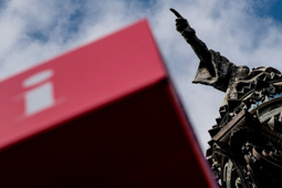 Les millors fotos de la setmana de Nació Digital La CUP proposa la retirada del monument a Colom. Foto: Adrià Costa