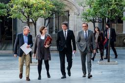 Les millors fotos de la setmana de Nació Digital El Govern, l'Ajuntament de Barcelona i l'Àrea Metropolitana han acordat congelar totes les tarifes del transport públic per al 2017. Foto: Adrià Costa