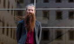 2016: 1 any 100 retrats Aubrey de Grey.