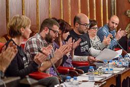 Les millors fotos de la setmana de Nació Digital El ple de Vic dóna suport al referèndum d'independència amb l'abstenció d'Unió i el PSC. Foto: Josep M. Montaner