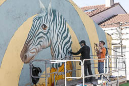 Les millors fotos de la setmana de Nació Digital Un mural del grafiter sabadellenc Werens, inspirat en el Bestiari de Pere Quart, posa punt i final a l'Any Joan Oliver.Foto: Juanma Peláez