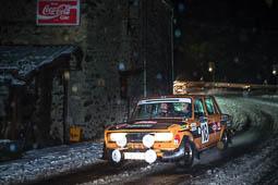 Les millors fotos de la setmana de Nació Digital Salvador Cañellas i el seu copilot, Daniel Ferrater camí dell 20è Rallye Monte-Carlo Historique, amb el SEAT 124 1800, el mateix model amb el que fa 40 anys van aconseguir un tercer i quart lloc absoluts a la mítica prova del Principat de Mònaco.Foto: Josep M. Montaner