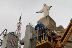 Les millors fotos de la setmana de Nació Digital Sant Carles de la Ràpita elimina la creu franquista de la Torreta.Foto: Sofia Cabanes