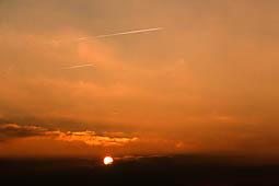 Les millors fotos de la setmana de Nació Digital Sortida del sol des de la plana de Vic.Foto: Josep M. Costa