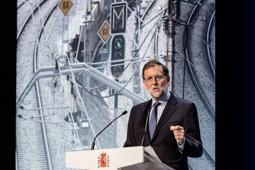 Les millors fotos de la setmana de Nació Digital Rajoy promet ara inversions milionàries per «segellar les esquerdes» amb Catalunya. Foto: Adrià Costa