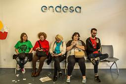 Les millors fotos de la setmana de Nació Digital Activistes de l'Aliança contra la Pobresa Energètica ocupen la seu d'Endesa a Barcelona.</br>Foto: Jordi Jon Pardo