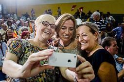 Carme Chacón, fotos històriques de la dirigent socialista Carme Chacón en un acte a Badalona, durant la campanya de les eleccions al Parlament de Catalunya, l'any 2015.Foto:  Adrià Costa