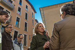 Carme Chacón, fotos històriques de la dirigent socialista Carme Chacón visita el Mercat de Vic durant la campanya de les eleccions espanyoles de l'any 2015.Foto: Josep M. Montaner