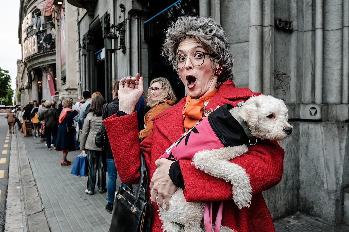 Les millors fotos de la setmana de Nació Digital Les Teresines tornen aquest diumenge amb una «Teresinada popular» al Teatre Coliseum.Foto: Adrià Costa