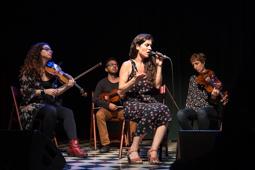 Les millors fotos de la setmana de Nació Digital Sílvia Pérez Cruz, la veu més emocionant de la música popular.</br>Foto: Jordi Jon Pardo
