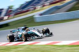 Les millors fotos de la setmana de Nació Digital Hamilton li guanya la batalla a Vettel al Circuit de Catalunya.Foto: Marc Calvo