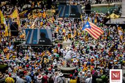 Les millors fotos de la setmana de Nació Digital El sobiranisme desafia l'Estat: «No teniu prou presons per posar-hi tots els ciutadans de Catalunya».Foto: Adrià Costa