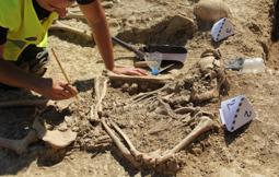 Les millors fotos de la setmana de Nació Digital Trobats 17 soldats de la Guerra Civil en la primera fossa exhumada al Pallars Jussà.Foto: Jordi Ubach