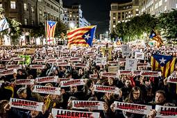 Aturada de país 8-N: concentració a la plaça de la Catedral