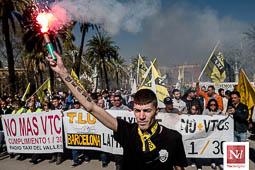 Les millors fotos de l'any de NacióDigital Manifestació de taxistes contra els «serveis pirata».Foto: Adrià Costa