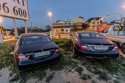 Les millors fotos de l'any de NacióDigital Dos cotxes amb matrícules idèntiques, aparcats en ple carrer a Sabadell.Foto: Juanma Peláez
