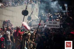 Les millors fotos de l'any de NacióDigital Patum de Lluïment amb reivindicació infantil contra la normativa del foc.Foto: Carles Palacio