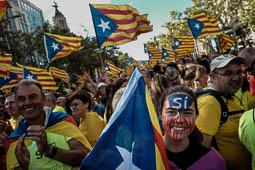 Les millors fotos de l'any de NacióDigital La manifestació de la Diada repeteix l'èxit: més de 500.000 persones s'hi han inscrit i tots els trams han quedat plens.Foto: Adrià Costa