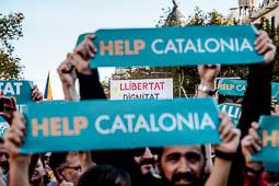Les millors fotos de l'any de NacióDigital Unes 450.000 persones, segons la Guàrdia Urbana, planten cara a la repressió de l'Estat i exigeixen l'alliberament de Jordi Sànchez i Jordi Cuixart.Foto: Adrià Costa